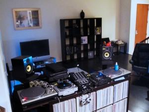 DJ Tchort new place DJ Booth