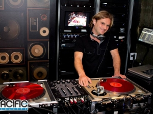 San Diego DJ at Draft Republic